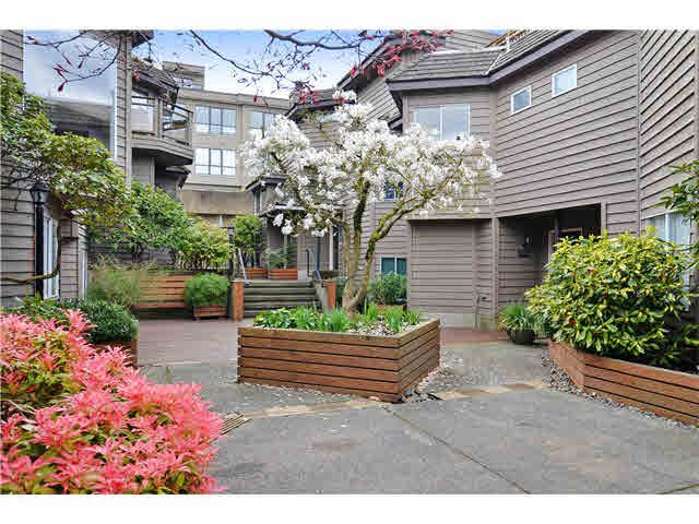 "Main Photo: 1290 W 6TH Avenue in Vancouver: Fairview VW Townhouse for sale in ""Vanderlee Court"" (Vancouver West)  : MLS®# V1128049"