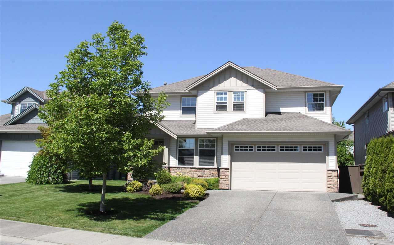 """Main Photo: 22371 49A Avenue in Langley: Murrayville House for sale in """"Hillcrest Area"""" : MLS®# R2066487"""