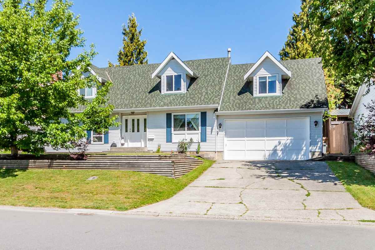 """Main Photo: 34845 MCNAB Avenue in Abbotsford: Abbotsford East House for sale in """"McMillian"""" : MLS®# R2077163"""