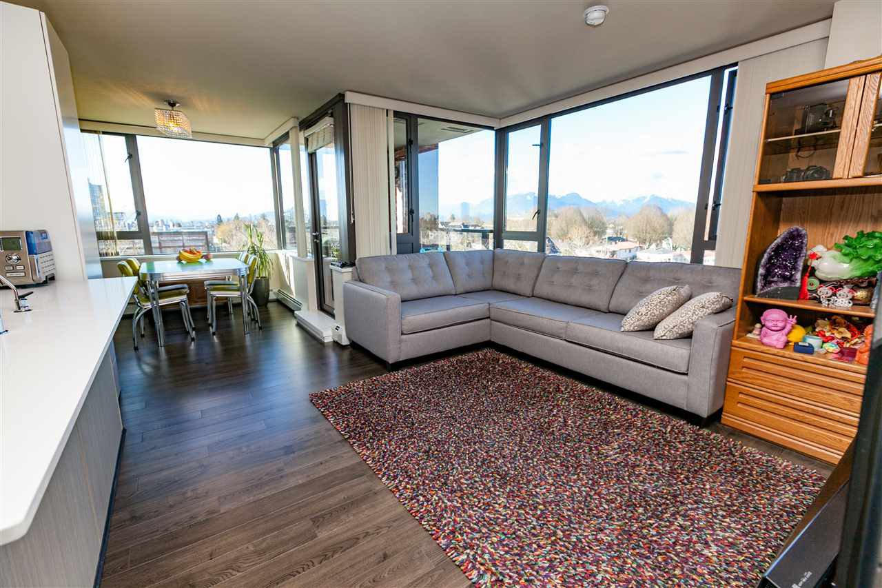 "Main Photo: 706 2689 KINGSWAY in Vancouver: Collingwood VE Condo for sale in ""SKYWAY TOWER"" (Vancouver East)  : MLS®# R2146581"