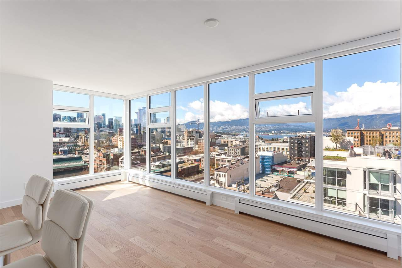 """Main Photo: 1605 188 KEEFER Street in Vancouver: Downtown VW Condo for sale in """"188 KEEFER"""" (Vancouver West)  : MLS®# R2160514"""