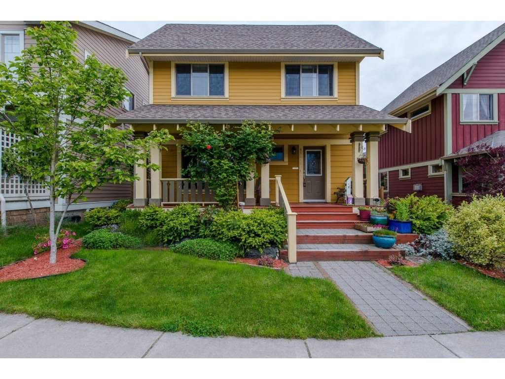 "Main Photo: 45313 SOOWAHLIE Crescent in Chilliwack: Vedder S Watson-Promontory House for sale in ""Garrison Crossing"" (Sardis)  : MLS®# R2168328"