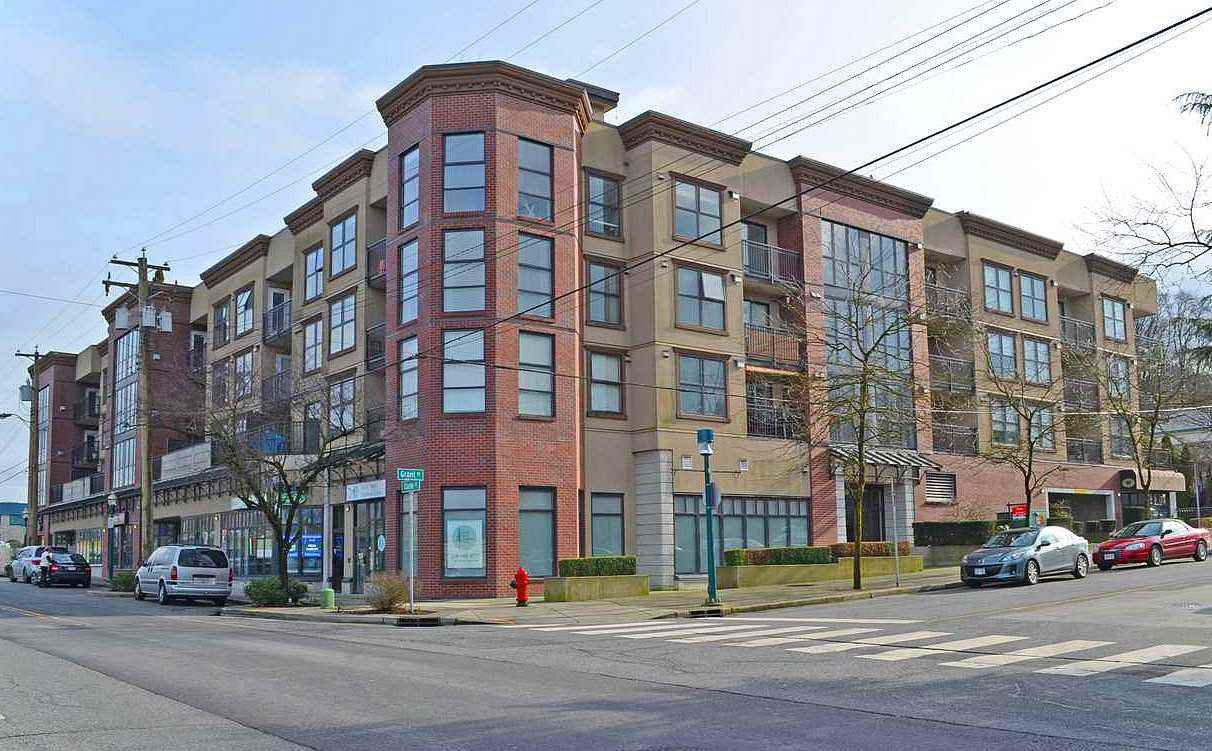 "Main Photo: 3015 84 GRANT Street in Port Moody: Port Moody Centre Condo for sale in ""THE LIGHTHOUSE"" : MLS®# R2207447"