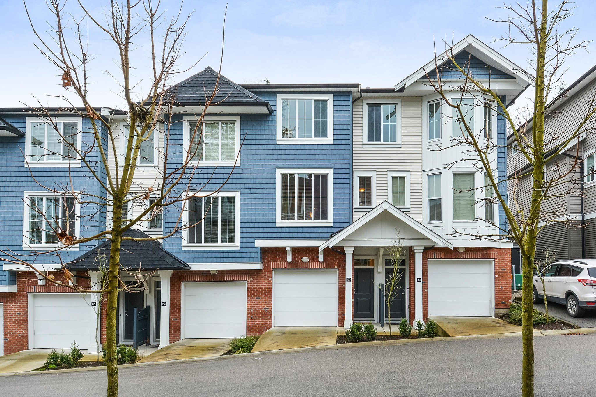 "Main Photo: 153 14833 61 Avenue in Surrey: Sullivan Station Townhouse for sale in ""ASHBURY HILL"" : MLS®# R2234693"