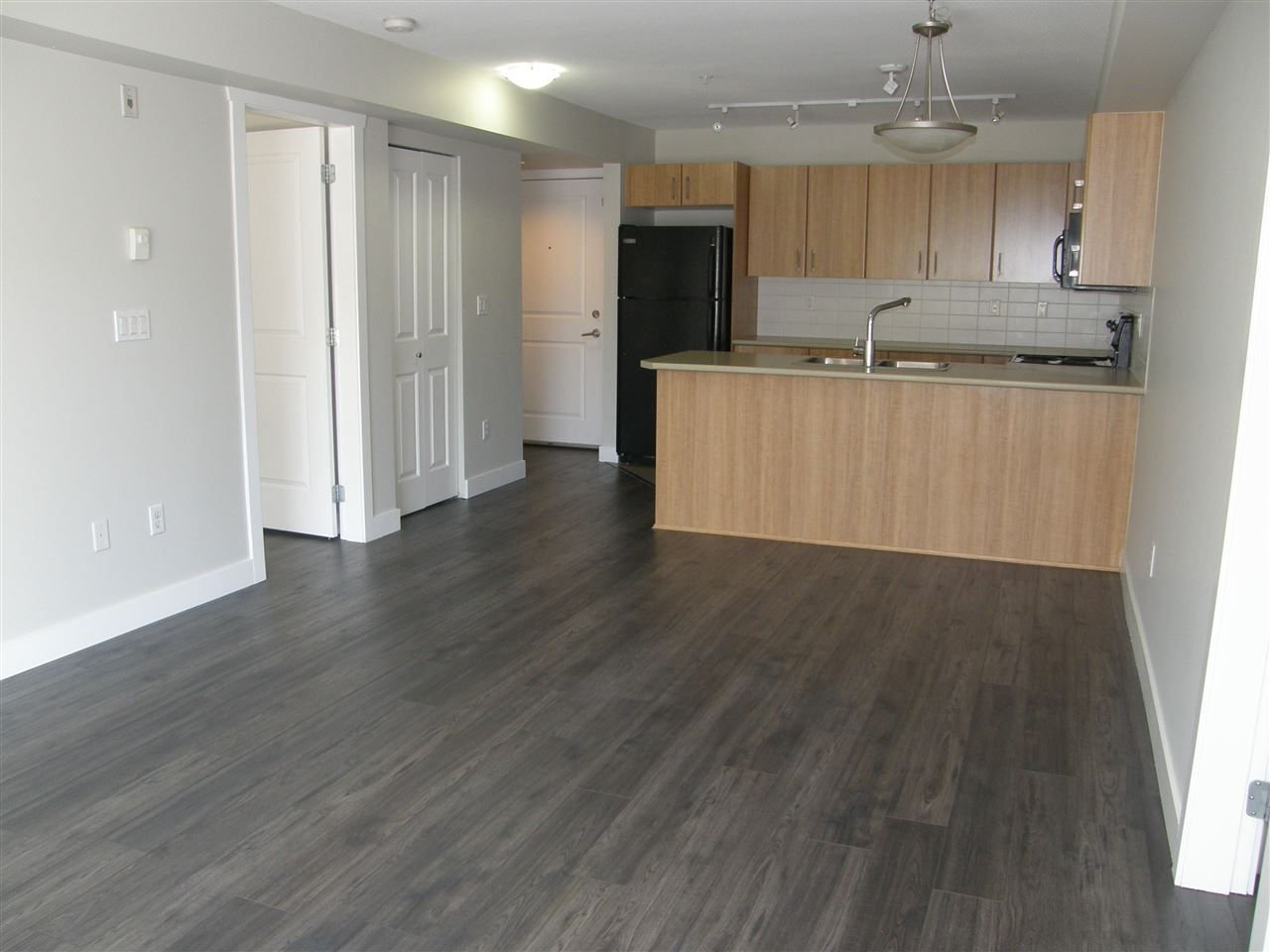 "Photo 3: Photos: 309 45561 YALE Road in Chilliwack: Chilliwack W Young-Well Condo for sale in ""VIBE CONDOS"" : MLS®# R2292861"
