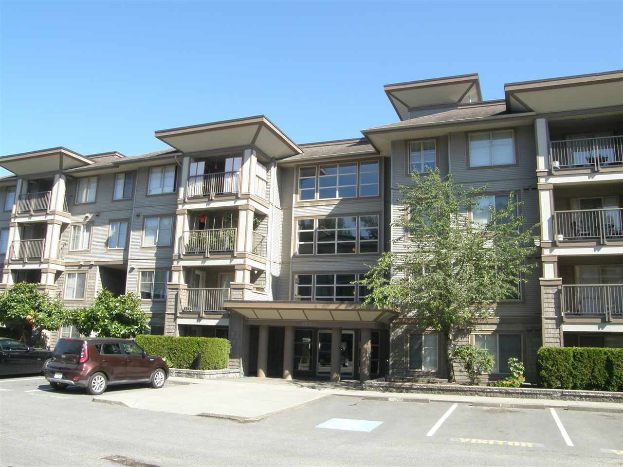 "Photo 2: Photos: 309 45561 YALE Road in Chilliwack: Chilliwack W Young-Well Condo for sale in ""VIBE CONDOS"" : MLS®# R2292861"