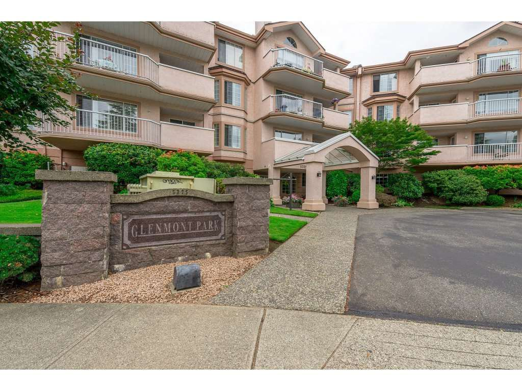"""Main Photo: 208 5375 205 Street in Langley: Langley City Condo for sale in """"GLENMONT PARK"""" : MLS®# R2295267"""