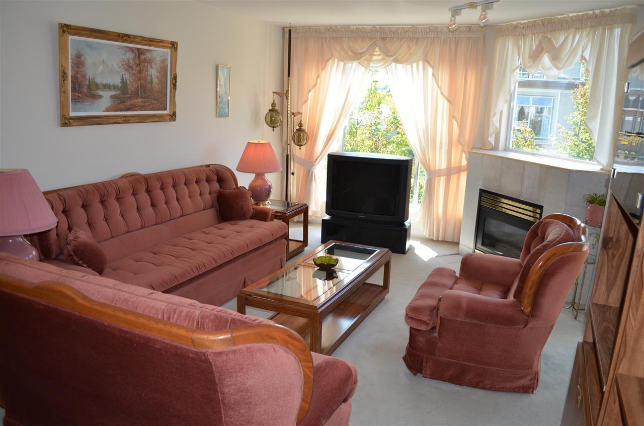"Photo 4: Photos: 309 12155 191B Street in Pitt Meadows: Central Meadows Condo for sale in ""EDGE PARK MANOR"" : MLS®# R2331027"
