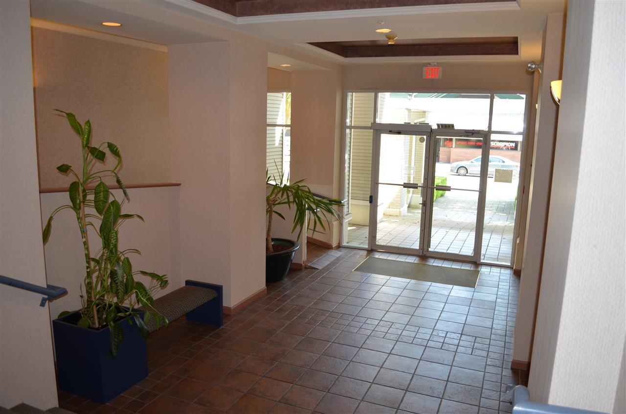 "Photo 15: Photos: 309 12155 191B Street in Pitt Meadows: Central Meadows Condo for sale in ""EDGE PARK MANOR"" : MLS®# R2331027"