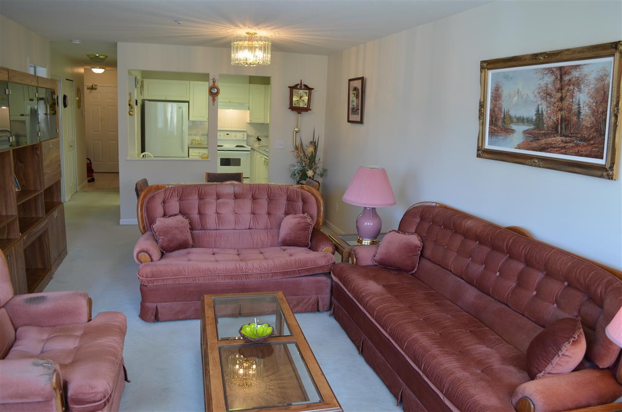 "Photo 3: Photos: 309 12155 191B Street in Pitt Meadows: Central Meadows Condo for sale in ""EDGE PARK MANOR"" : MLS®# R2331027"