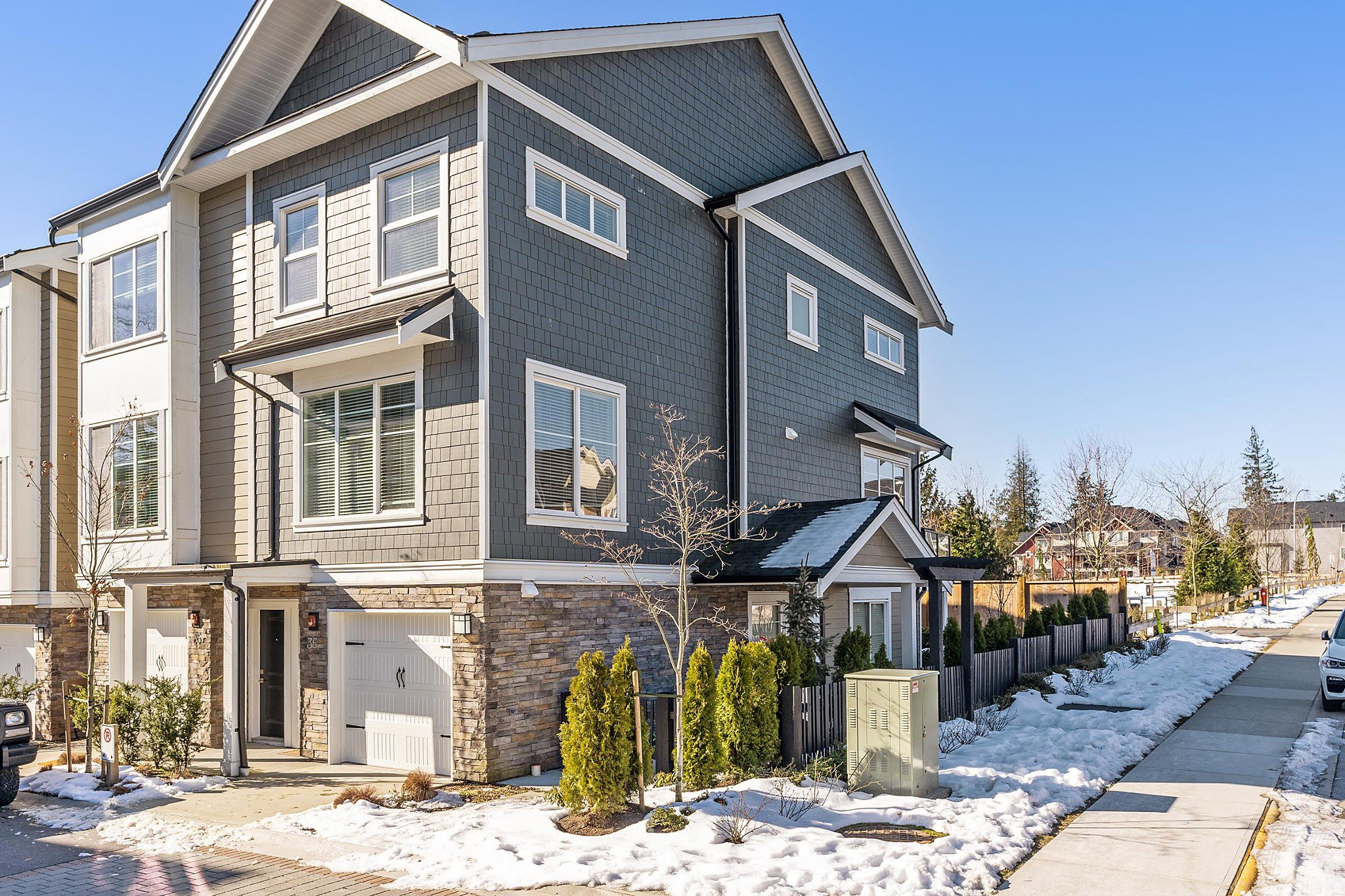 "Main Photo: 36 21150 76A Avenue in Langley: Willoughby Heights Townhouse for sale in ""HUTTON"" : MLS®# R2343680"