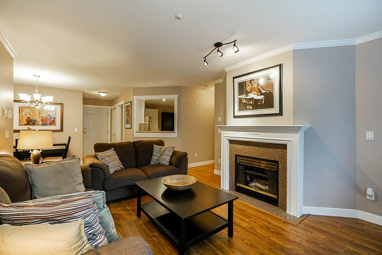 Photo 4: Photos: 210 7435 121A Street in Surrey: West Newton Condo for sale : MLS®# R2348531