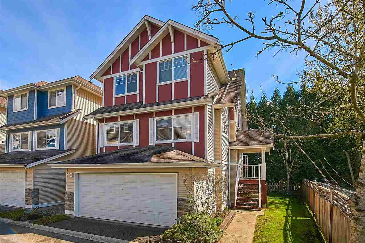 "Main Photo: 11 1108 RIVERSIDE Close in Port Coquitlam: Riverwood Townhouse for sale in ""HERITAGE MEADOWS"" : MLS®# R2359716"