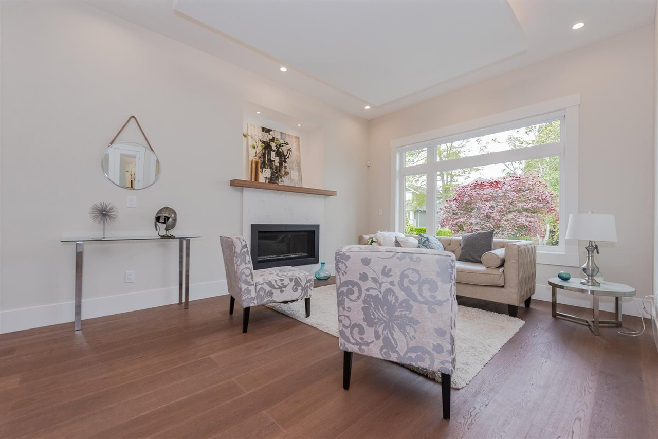 Photo 5: Photos: 4054 MCGILL Street in Burnaby: Vancouver Heights House for sale (Burnaby North)  : MLS®# R2365085