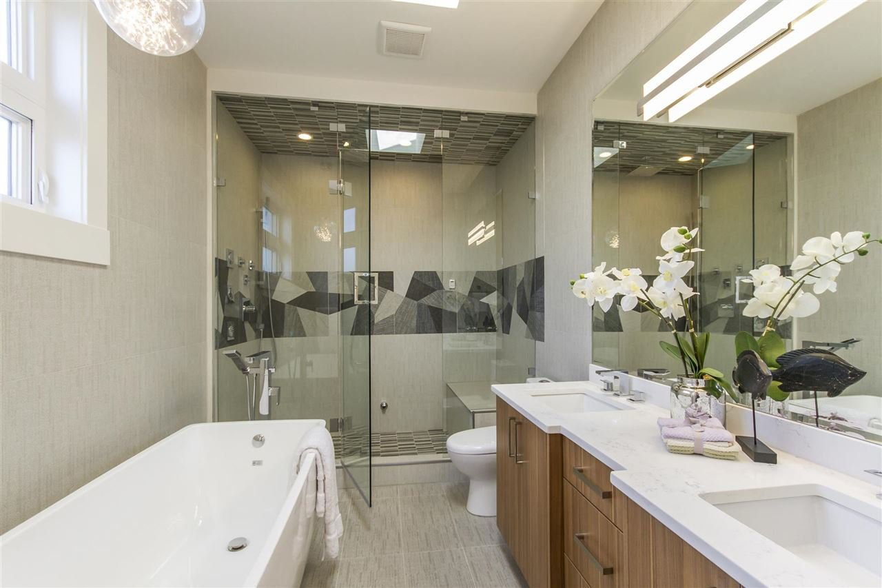 Photo 14: Photos: 4054 MCGILL Street in Burnaby: Vancouver Heights House for sale (Burnaby North)  : MLS®# R2365085