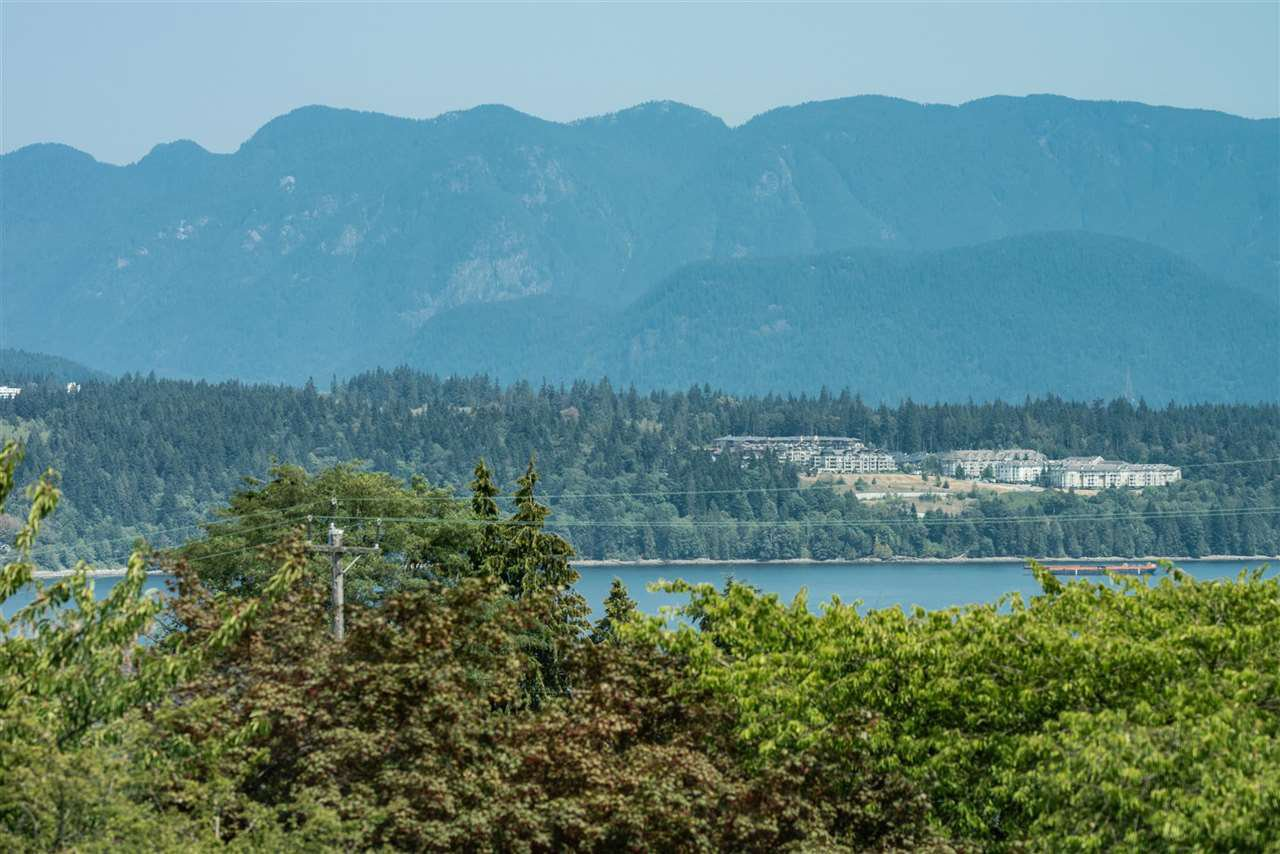 Photo 20: Photos: 4054 MCGILL Street in Burnaby: Vancouver Heights House for sale (Burnaby North)  : MLS®# R2365085