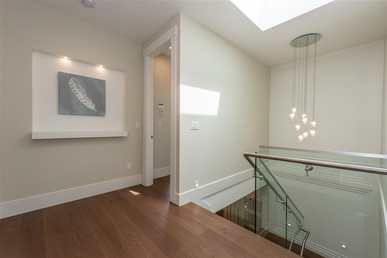 Photo 16: Photos: 4054 MCGILL Street in Burnaby: Vancouver Heights House for sale (Burnaby North)  : MLS®# R2365085