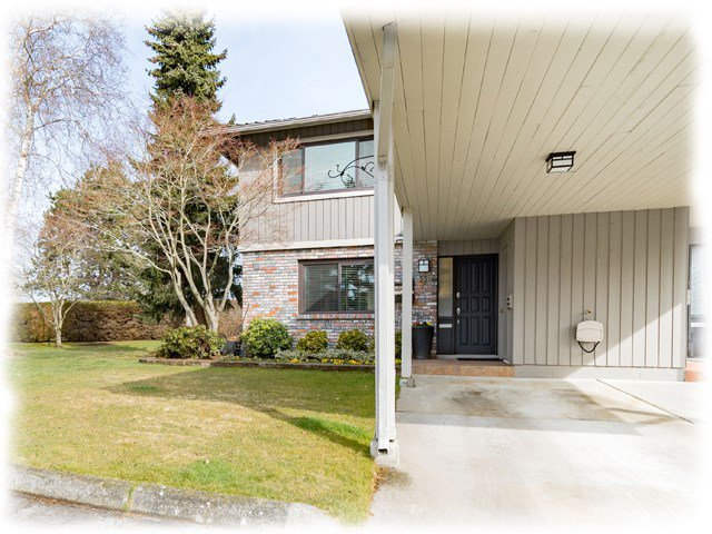 "Main Photo: 55 11771 KINGFISHER Drive in Richmond: Westwind Townhouse for sale in ""SOMERSET MEWS"" : MLS®# R2368393"
