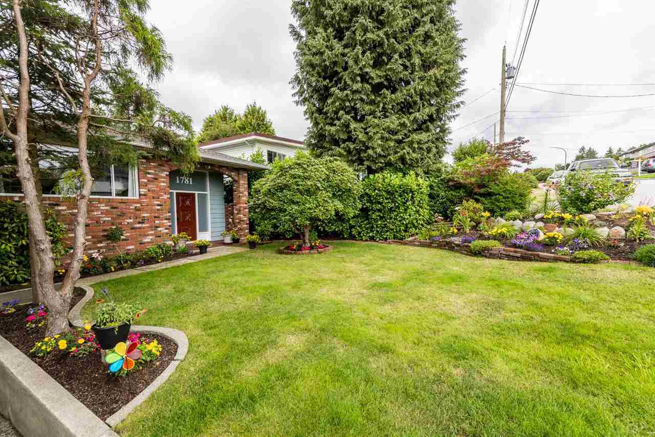 Photo 2: Photos: 1781 HOWARD Avenue in Burnaby: Parkcrest House for sale (Burnaby North)  : MLS®# R2386197