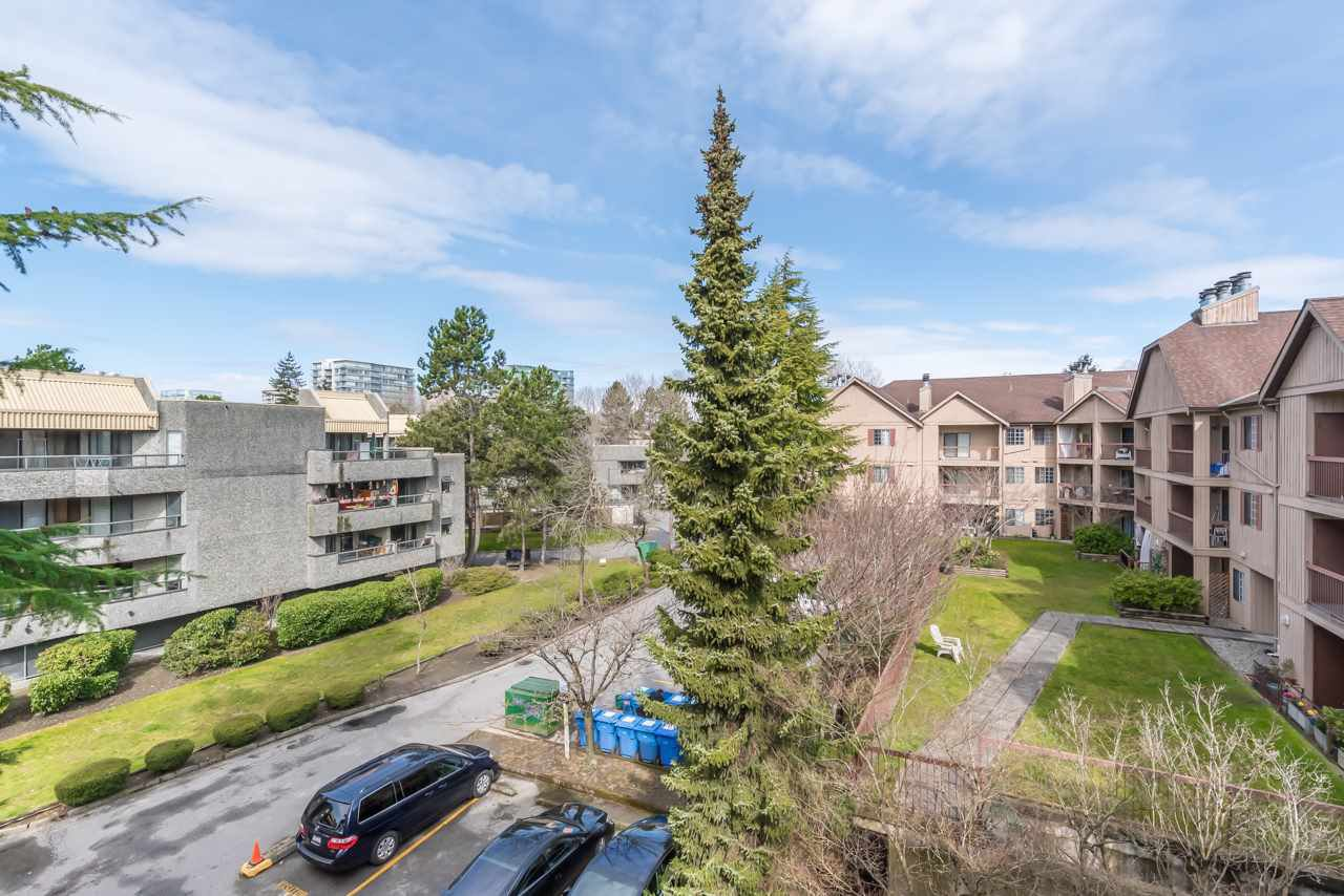 "Main Photo: 322 8500 ACKROYD Road in Richmond: Brighouse Condo for sale in ""WEST HAMPTON COURT"" : MLS®# R2447572"