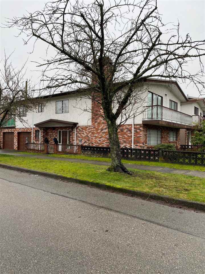 Main Photo: 2208 E 35TH Avenue in Vancouver: Victoria VE House for sale (Vancouver East)  : MLS®# R2527707