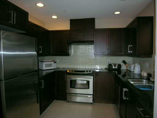 """Photo 3: Photos: 305 6328 LARKIN DR in Vancouver: University VW Condo for sale in """"JOURNEY"""" (Vancouver West)  : MLS®# V581746"""