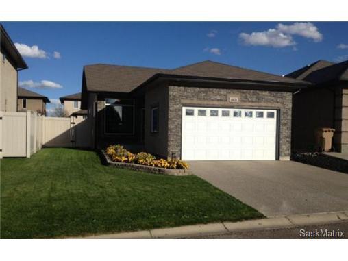 Main Photo: 4631 ELLARD Court in Regina: Lakeridge Single Family Dwelling for sale (Regina Area 01)  : MLS®# 495544