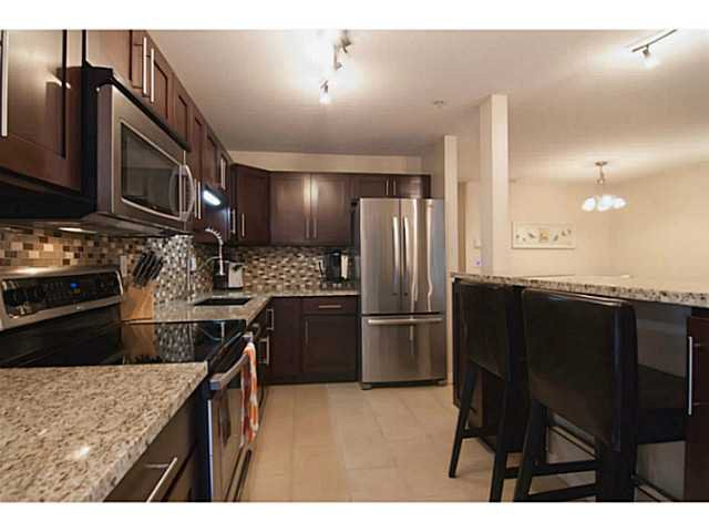 """Photo 4: Photos: 104 7139 18TH Avenue in Burnaby: Edmonds BE Condo for sale in """"CRYSTAL GATES"""" (Burnaby East)  : MLS®# V1065435"""