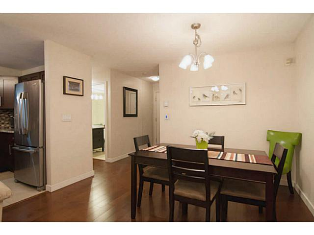 """Photo 10: Photos: 104 7139 18TH Avenue in Burnaby: Edmonds BE Condo for sale in """"CRYSTAL GATES"""" (Burnaby East)  : MLS®# V1065435"""