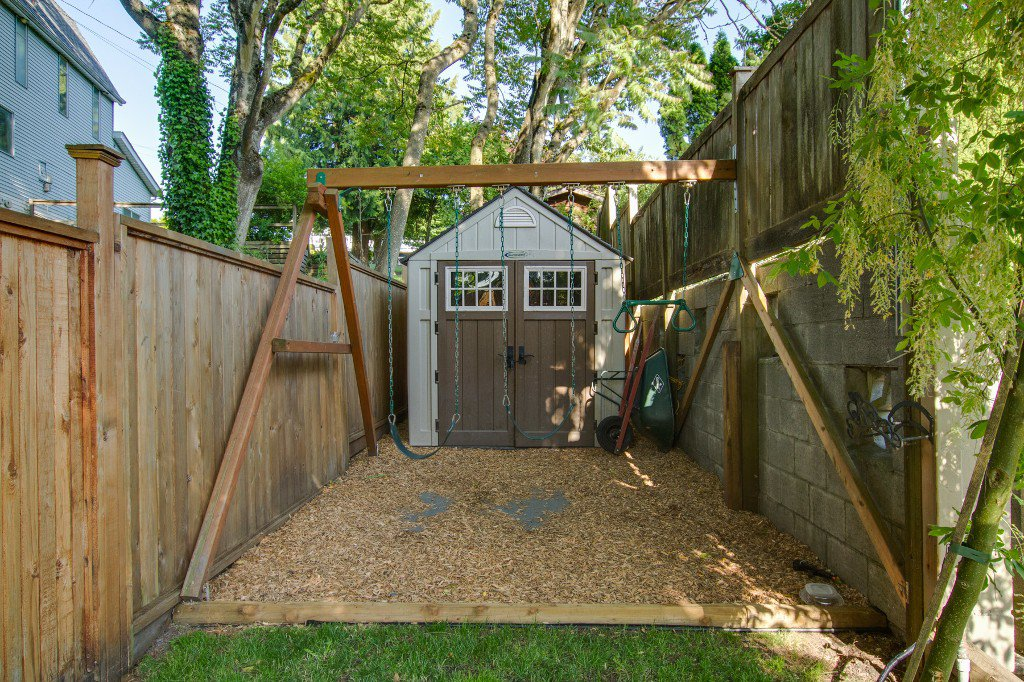 Photo 43: Photos: 1985 PETERSON Avenue in Coquitlam: Cape Horn House for sale : MLS®# V1067810