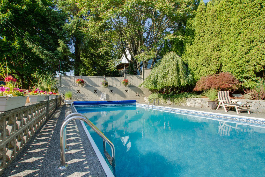 Photo 37: Photos: 1985 PETERSON Avenue in Coquitlam: Cape Horn House for sale : MLS®# V1067810