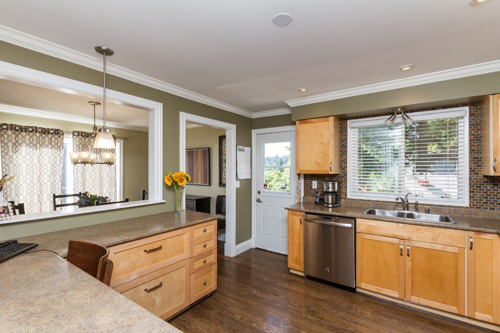 Photo 11: Photos: 1985 PETERSON Avenue in Coquitlam: Cape Horn House for sale : MLS®# V1067810