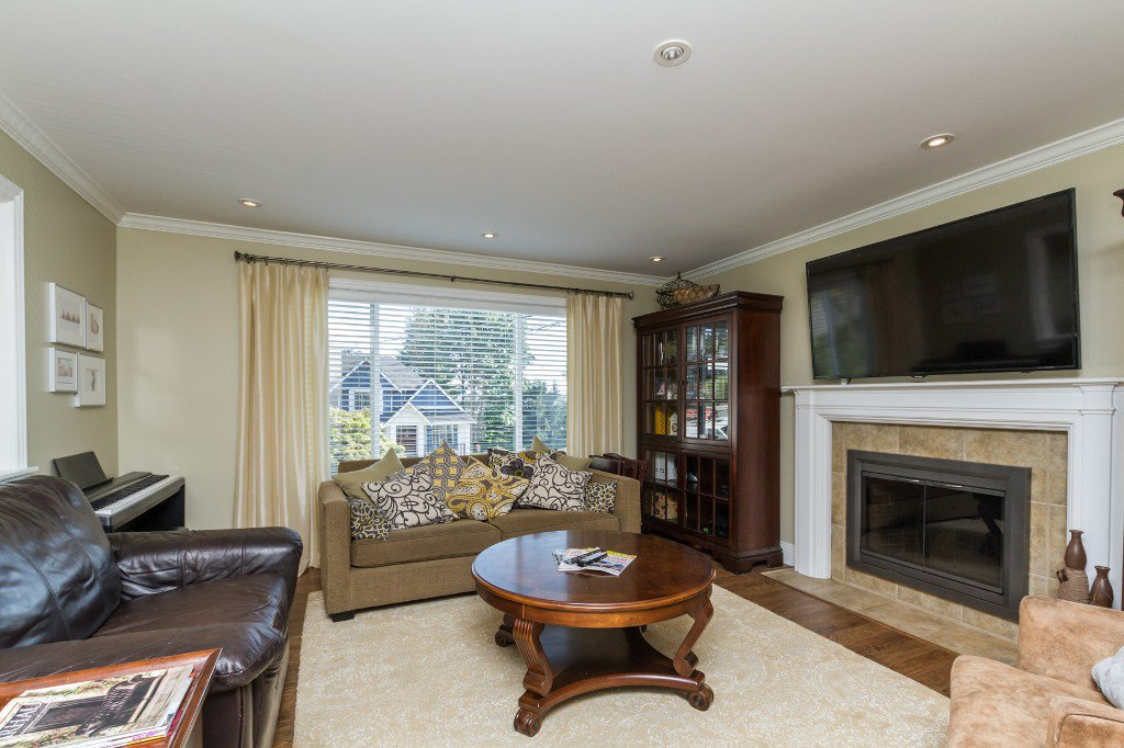 Photo 4: Photos: 1985 PETERSON Avenue in Coquitlam: Cape Horn House for sale : MLS®# V1067810