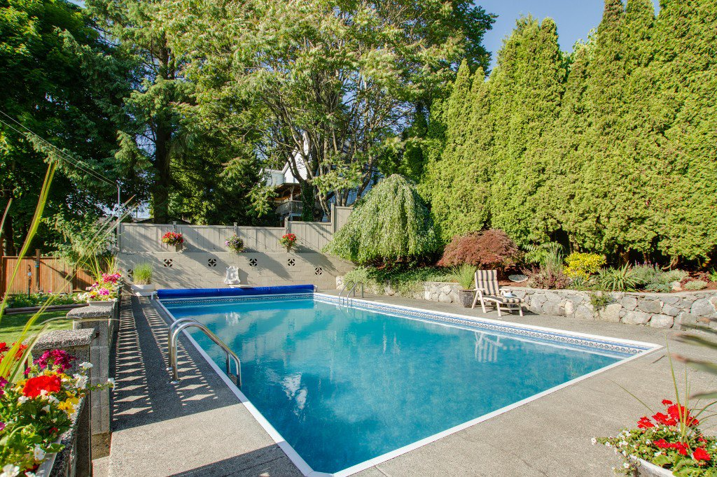 Photo 36: Photos: 1985 PETERSON Avenue in Coquitlam: Cape Horn House for sale : MLS®# V1067810