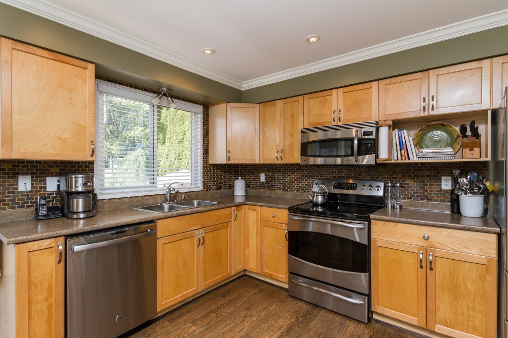 Photo 9: Photos: 1985 PETERSON Avenue in Coquitlam: Cape Horn House for sale : MLS®# V1067810