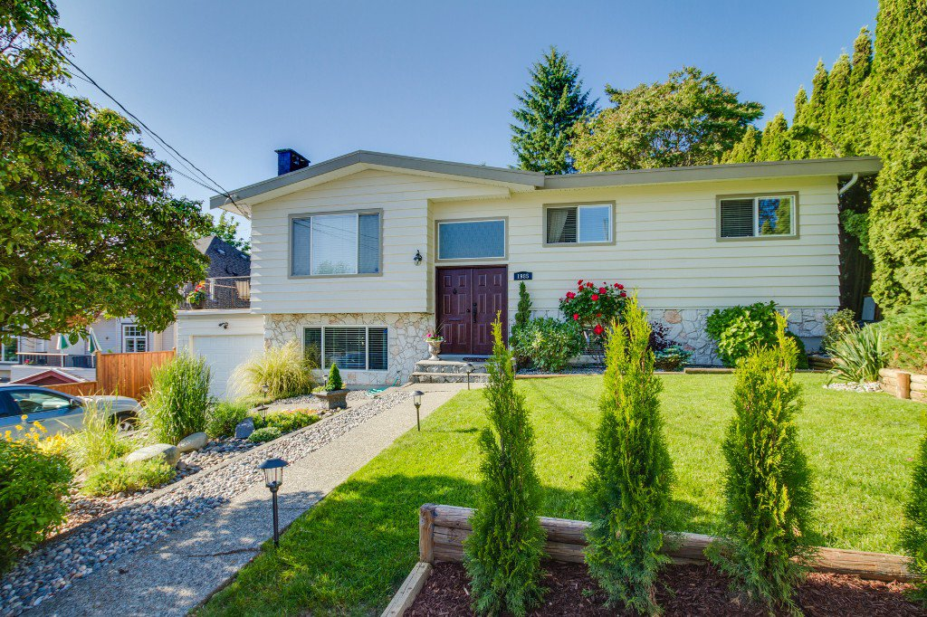 Photo 1: Photos: 1985 PETERSON Avenue in Coquitlam: Cape Horn House for sale : MLS®# V1067810