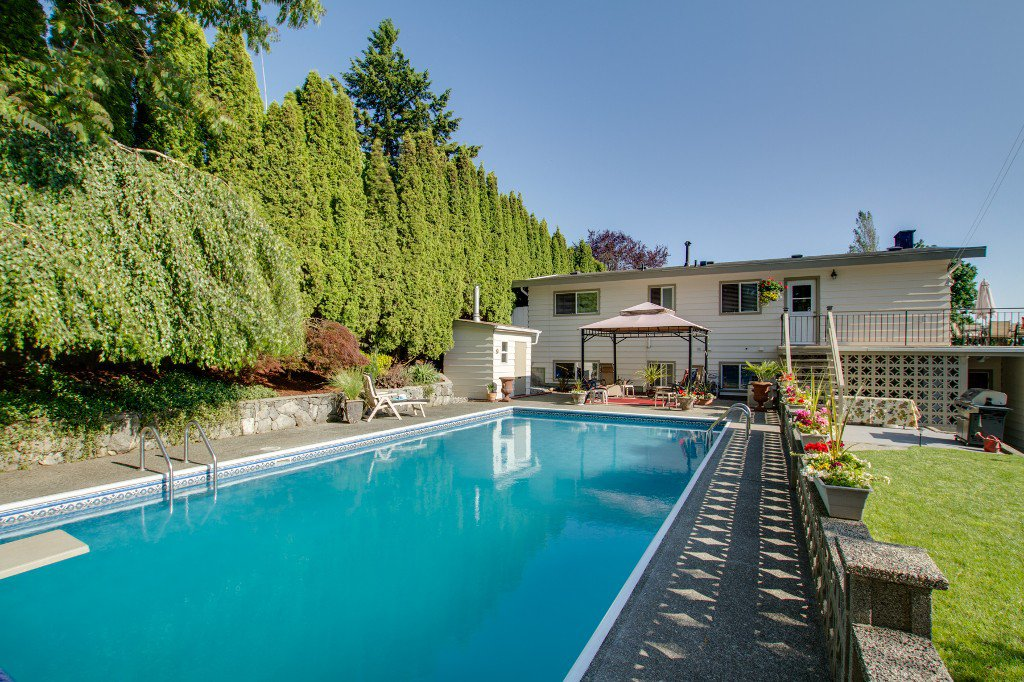 Photo 39: Photos: 1985 PETERSON Avenue in Coquitlam: Cape Horn House for sale : MLS®# V1067810