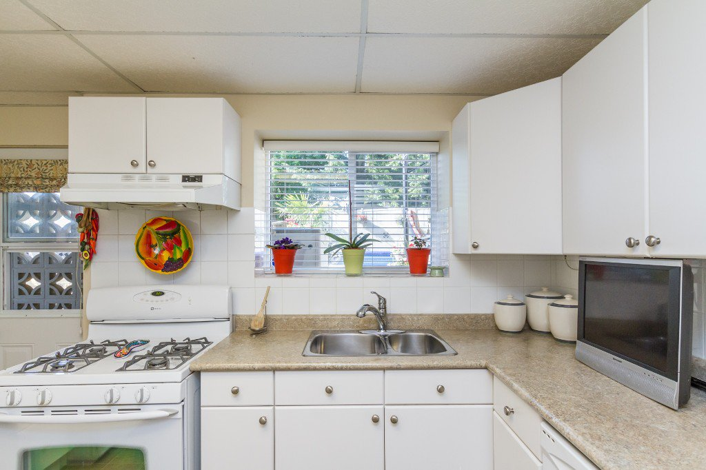 Photo 28: Photos: 1985 PETERSON Avenue in Coquitlam: Cape Horn House for sale : MLS®# V1067810