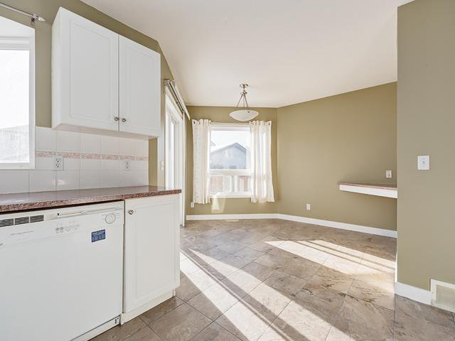 Photo 7: Photos: 13 EVERSTONE Avenue SW in Calgary: Evergreen Residential Detached Single Family for sale : MLS®# C3645157
