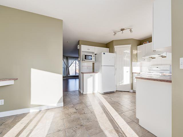 Photo 8: Photos: 13 EVERSTONE Avenue SW in Calgary: Evergreen Residential Detached Single Family for sale : MLS®# C3645157