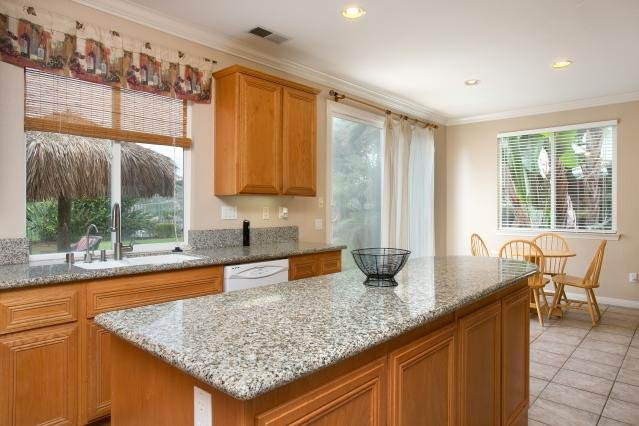 Photo 9: Photos: AVIARA House for sale : 5 bedrooms : 6484 Goldenbush Drive in Carlsbad