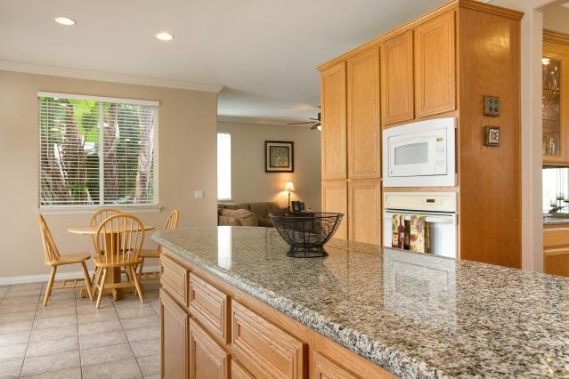 Photo 10: Photos: AVIARA House for sale : 5 bedrooms : 6484 Goldenbush Drive in Carlsbad