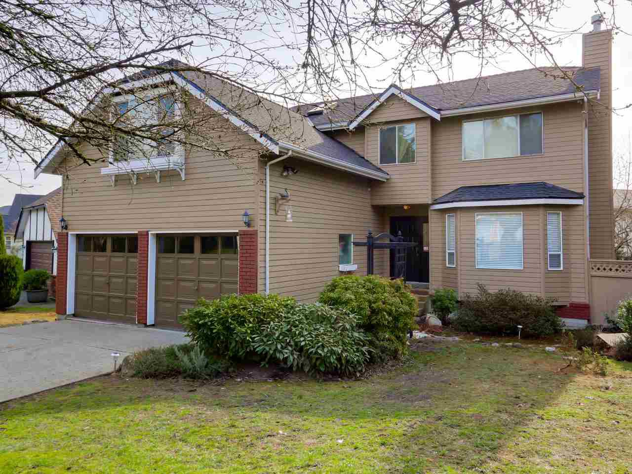 """Main Photo: 2868 TEMPE KNOLL Drive in North Vancouver: Tempe House for sale in """"TEMPE"""" : MLS®# R2046593"""