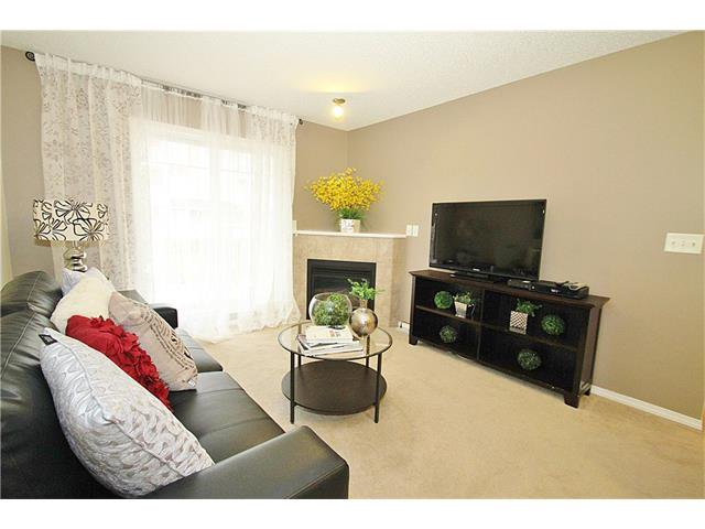 Photo 5: Photos: 4210 70 PANAMOUNT Drive NW in Calgary: Panorama Hills Condo for sale : MLS®# C4076260