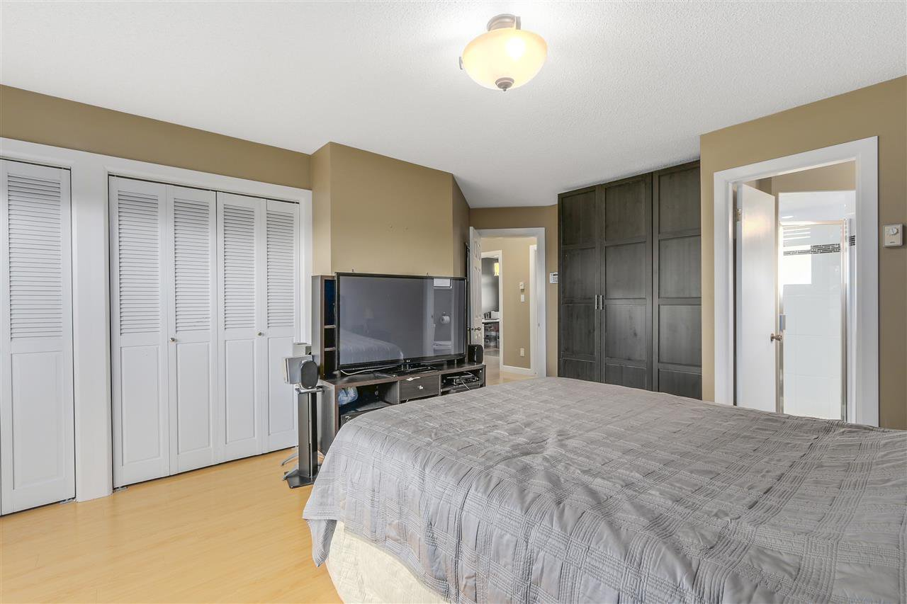 Photo 12: Photos: 6920 HYCREST Drive in Burnaby: Montecito House for sale (Burnaby North)  : MLS®# R2165155