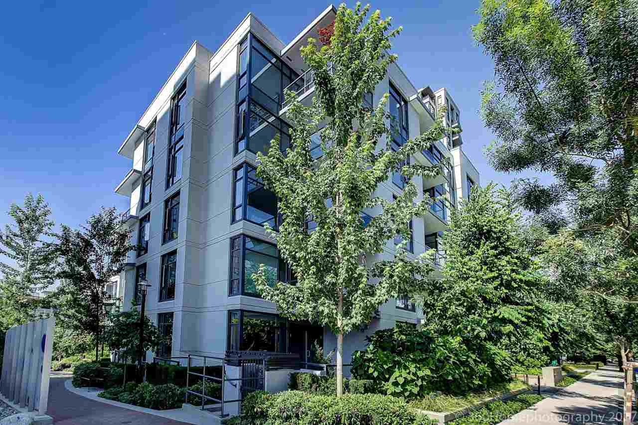 "Main Photo: 106 135 W 2ND Street in North Vancouver: Lower Lonsdale Condo for sale in ""CAPSTONE"" : MLS®# R2190411"