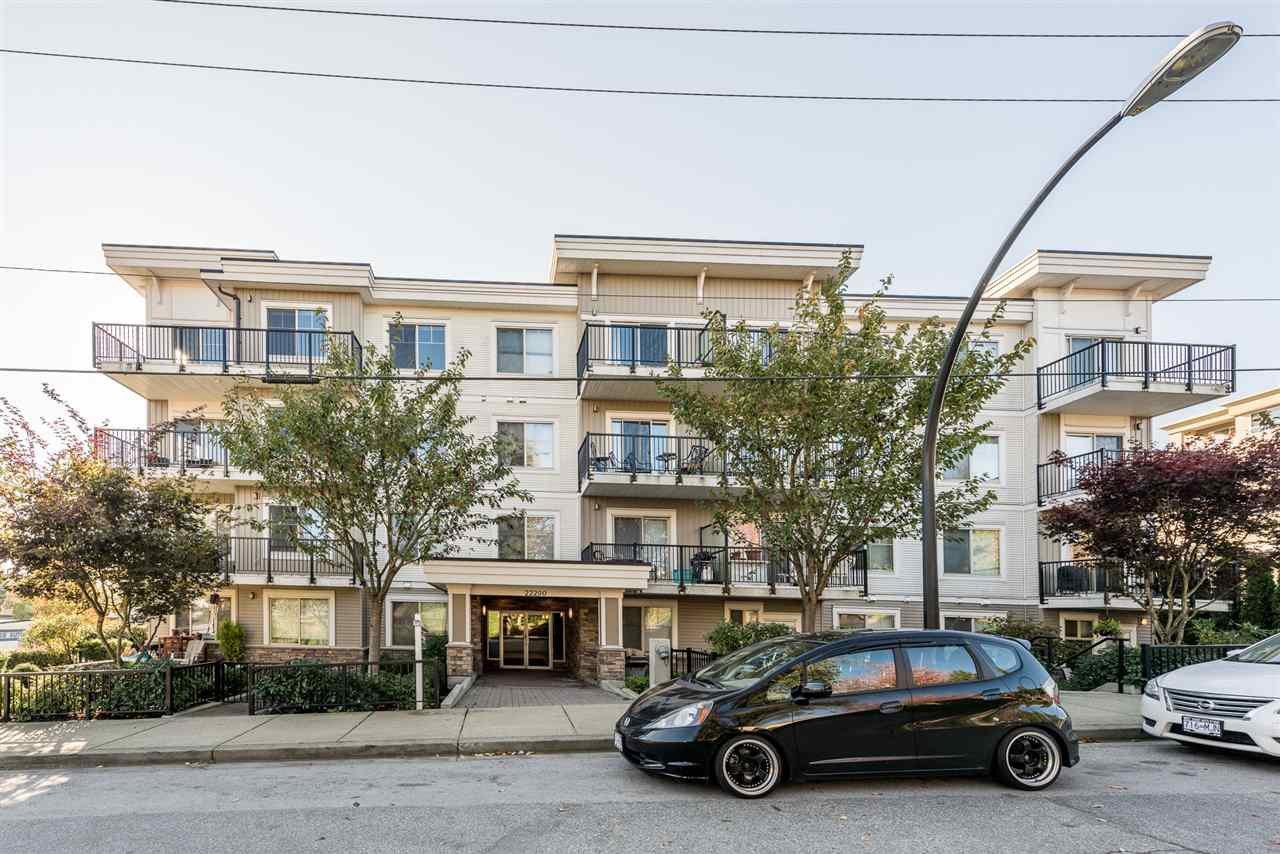 """Main Photo: 304 22290 NORTH Avenue in Maple Ridge: West Central Condo for sale in """"Solo"""" : MLS®# R2218483"""