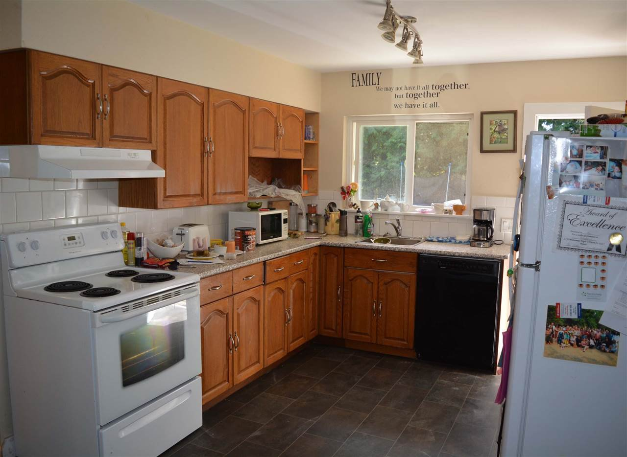 Photo 9: Photos: 8041 WILDWOOD Road in Halfmoon Bay: Halfmn Bay Secret Cv Redroofs House 1/2 Duplex for sale (Sunshine Coast)  : MLS®# R2261950