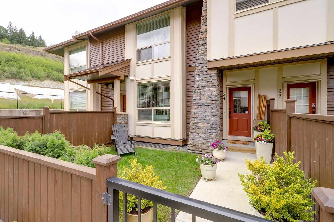 "Main Photo: 24 10550 248 Street in Maple Ridge: Thornhill MR Townhouse for sale in ""The Terraces"" : MLS®# R2276283"