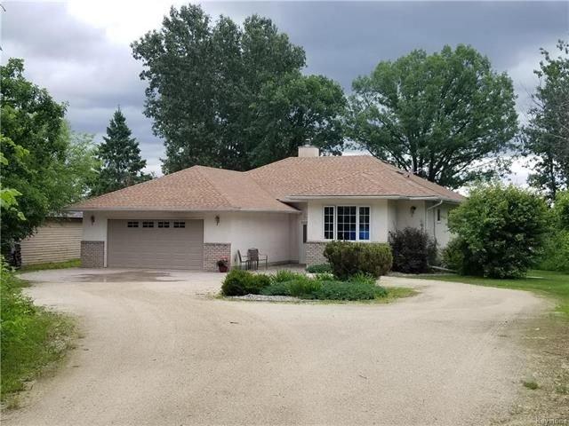 Main Photo: 34 Southwood Bay: Lac Du Bonnet Residential for sale (R28)  : MLS®# 1816602